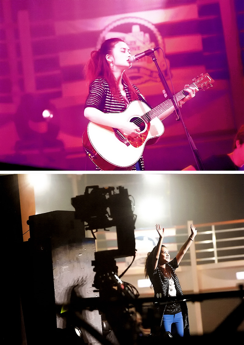 NekoPOP-Yui-Rockin-On-Japan-2012-04-C