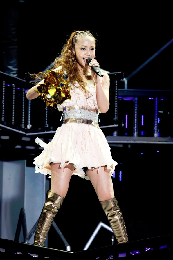 NekoPOP-Namie-Amuro-5-Major-Domes-Tour-2012-gallery2