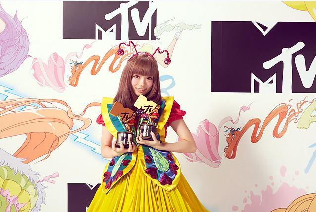 NekoPOP-Kyary-Pamyu-Pamyu-VMAJ-2013-E.jp