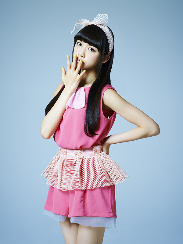 NekoPOP-Tokyo-Girls-Style-Interview-2014-Hitomi-Arai