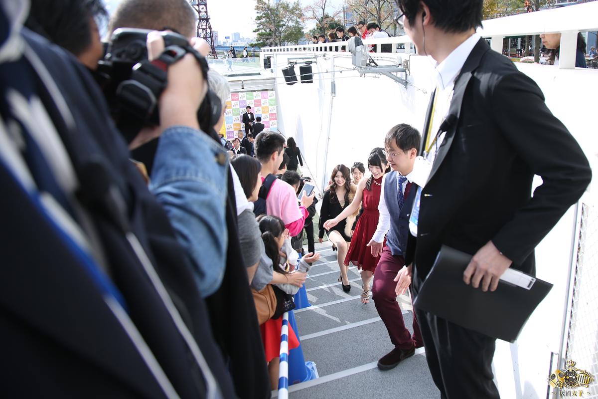 NekoPOP-Erina-Kamiya-Umi-ni-nose-ta-Gazu-no-yume-red-carpet-2017-11-11-09