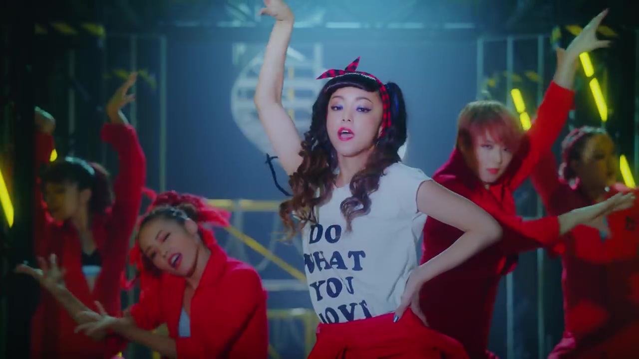 NekoPOP-Namie-Amuro-Showtime-MV-1